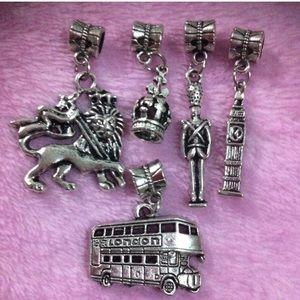 Jewelry - London Bus, Big Ban, UK United Kingdom Charm set